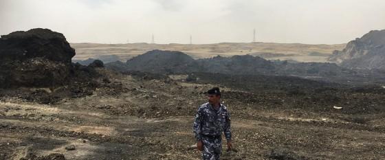 Devastación medioambiental en la localidad iraquí de Qayarrah, tras los combates entre las tropas del Gobierno y la organización terrorista Dáesh, 2017. Foto ONU Medio Ambiente/Hassan Partow