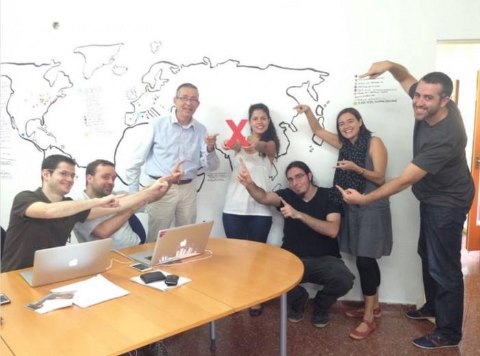 L'equip d'iWith.org amb la X de Xarxanet