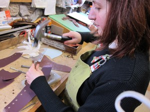Laia hammering Lorica, synthetic leather for vegan shoes