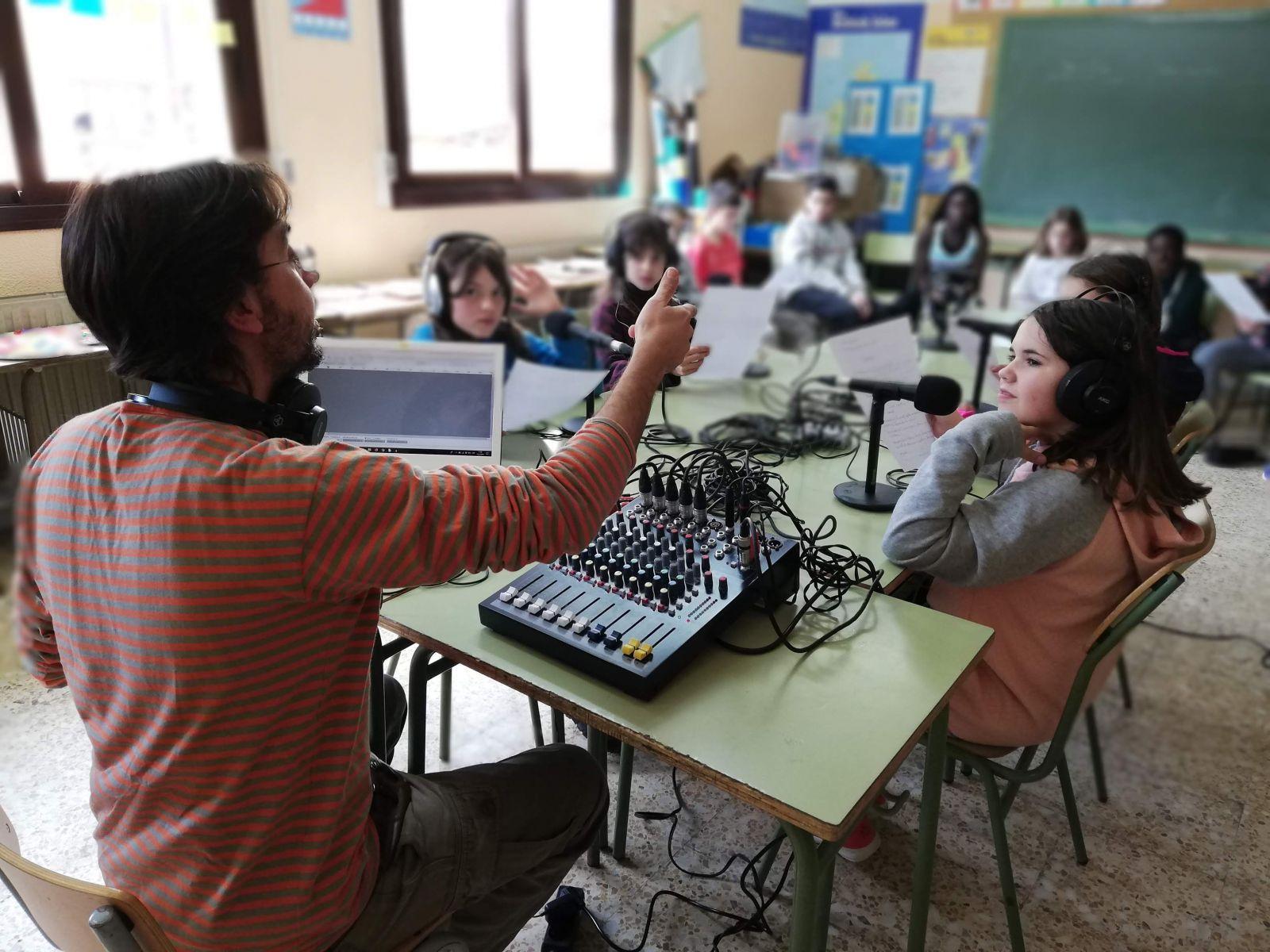 acollida refugiats primaria radio